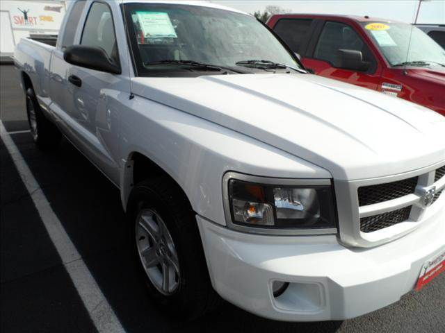 2011 RAM DAKOTA white englishespanolba10818 2011 dodge dakotasxt extended cab 2wd white 1d7re3b