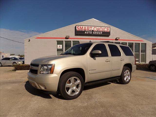 2007 CHEVROLET TAHOE white abs brakesair conditioningalloy wheelsamfm radioautomatic headlig