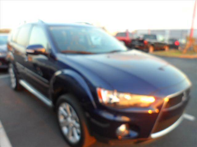 2012 MITSUBISHI OUTLANDER SE 4DR SUV blue right now with 95 down with payments starting from as