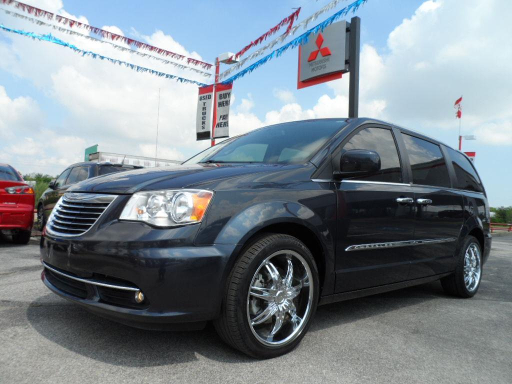 2014 CHRYSLER TOWN AND COUNTRY TOURING 4DR MINI VAN maximum steel laporte mitsubishi w in-house a