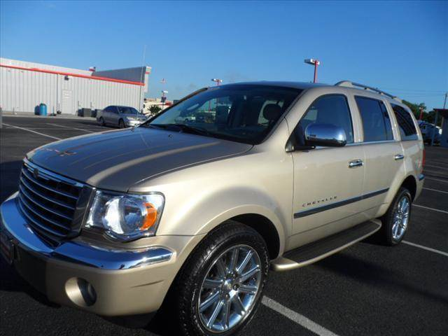 2008 CHRYSLER ASPEN LIMITED 4X4 4DR SUV tan april showers bring may flowers right now with 350