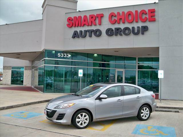 2010 MAZDA MAZDA3 SEDAN I graphite mica options abs brakesair conditioningamfm radiocd playerch