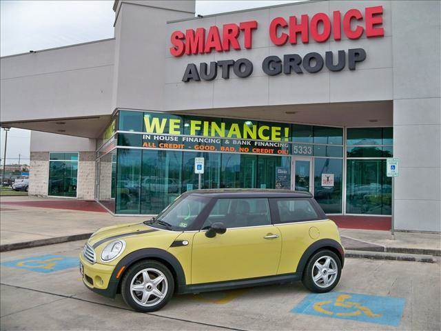 2010 MINI COOPER COUPE yellow options abs brakesair conditioningalloy wheelsamfm radioautomatic