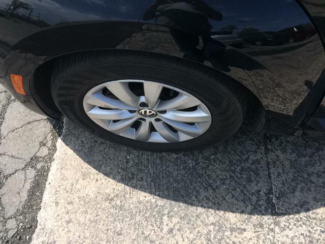 2014 Volkswagen Beetle 2.5L Entry PZEV 2dr Hatchback 6A - Tonawanda NY