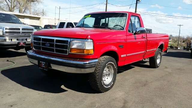 1996 FORD F-150 XLT 2DR 4WD STANDARD CAB LB red abs - rear auxiliary gas tank cassette cruise