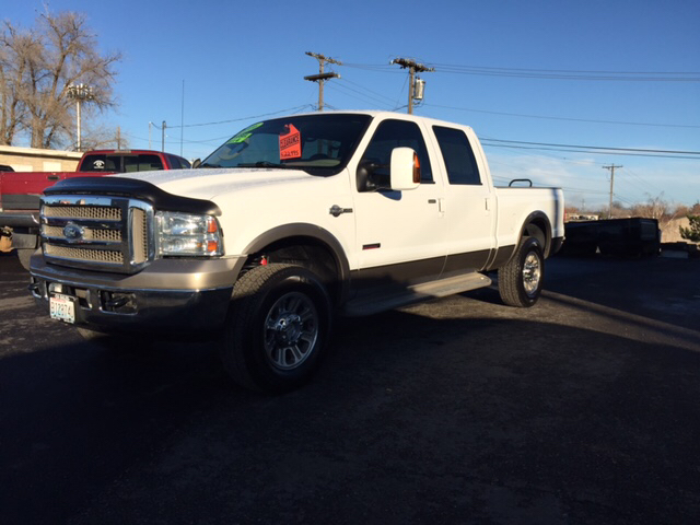 2006 FORD F-250 SUPER DUTY LARIAT 4DR CREW CAB 4WD SB unspecified 4wd type - part time abs - 4-wh