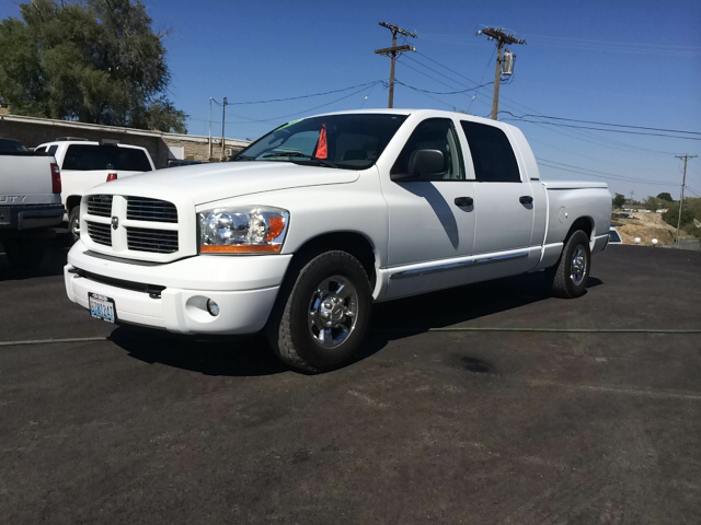 2006 DODGE RAM PICKUP 1500 LARAMIE 4DR MEGA CAB SB white abs - 4-wheel adjustable pedals - power