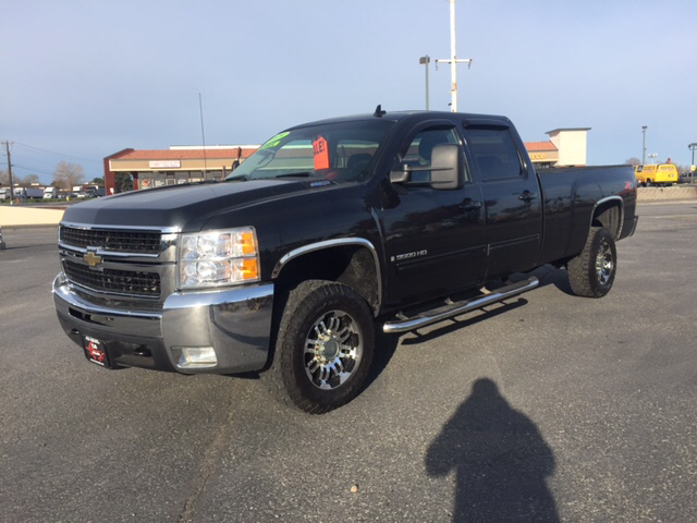 2009 CHEVROLET SILVERADO 3500HD WORK TRUCK 4X4 4DR CREW CAB LB S unspecified 4wd type - part time
