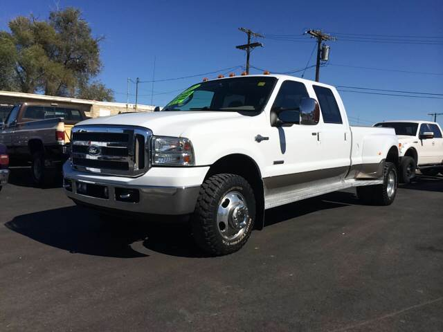 2007 FORD F-350 SUPER DUTY LARIAT 4DR CREW CAB 4WD LB DRW white 2-stage unlocking - remote 4wd ty