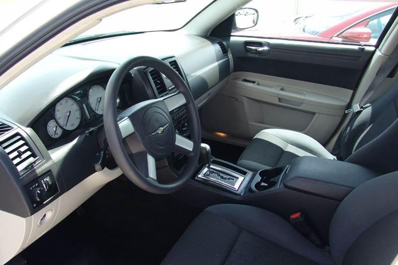 2005 Chrysler 300 Rwd 4dr Sedan - Sedalia MO