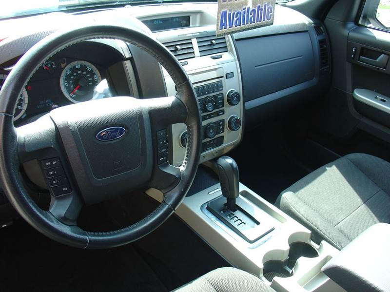 2010 Ford Escape XLT 4dr SUV - East Syracuse NY