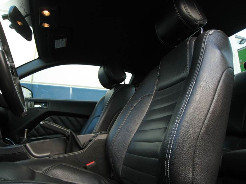 2012 Ford Mustang GT Premium 2dr**BREMBO PKG** - Chantilly VA