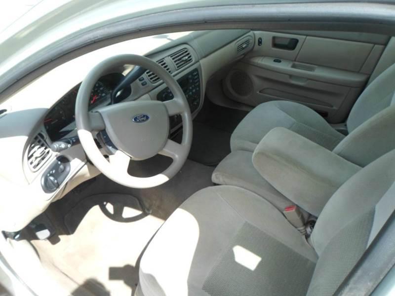 2004 Ford Taurus SE 4dr Sedan - Rochester MN