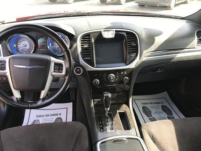 2011 Chrysler 300 4dr Sedan - Lexington KY