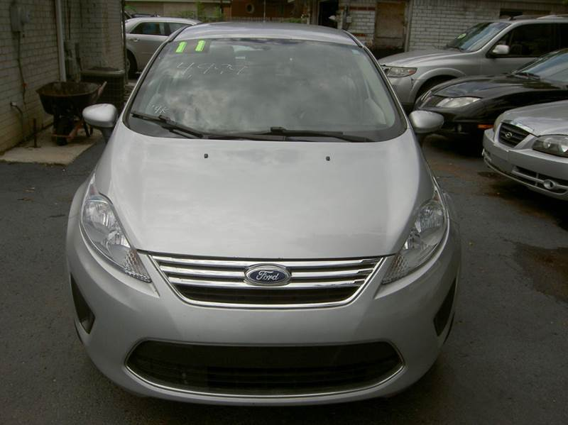2011 FORD FIESTA SE 4DR SEDAN silver looks and runs great must see call 866-387-4039 abs - 4-whee