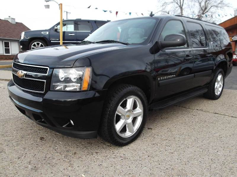 2007 CHEVROLET SUBURBAN LTZ 1500 4DR SUV 4WD black runs drive and looks great  clean in and out