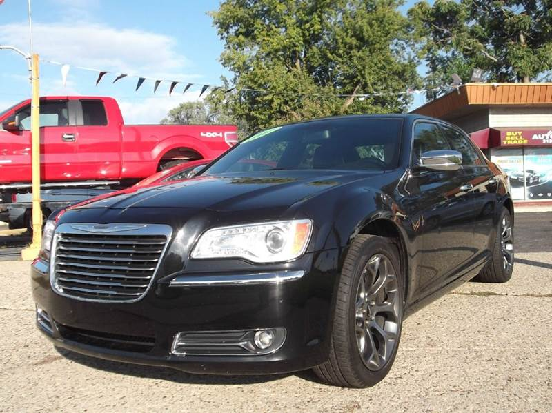 2011 CHRYSLER 300 LIMITED 4DR SEDAN black runs drives and looks great  clean in  and out al