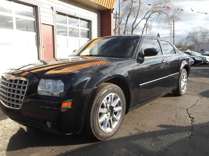 2007 CHRYSLER 300 TOURING 4DR SEDAN black runs drives and looks great clean in and out all p