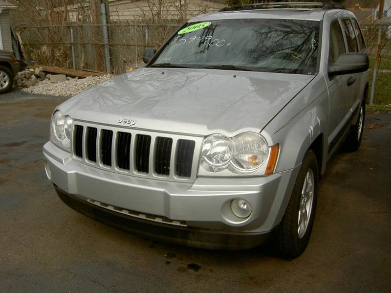 2005 JEEP GRAND CHEROKEE LAREDO 4DR 4WD SUV silver great running jeep super clean inside out