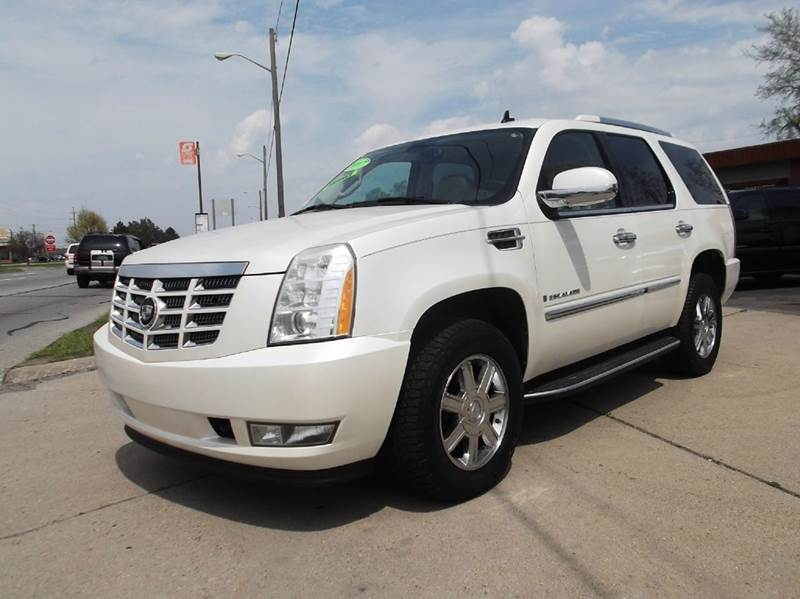 2007 CADILLAC ESCALADE BASE AWD 4DR SUV pearl runs drives and looks great   all power clean