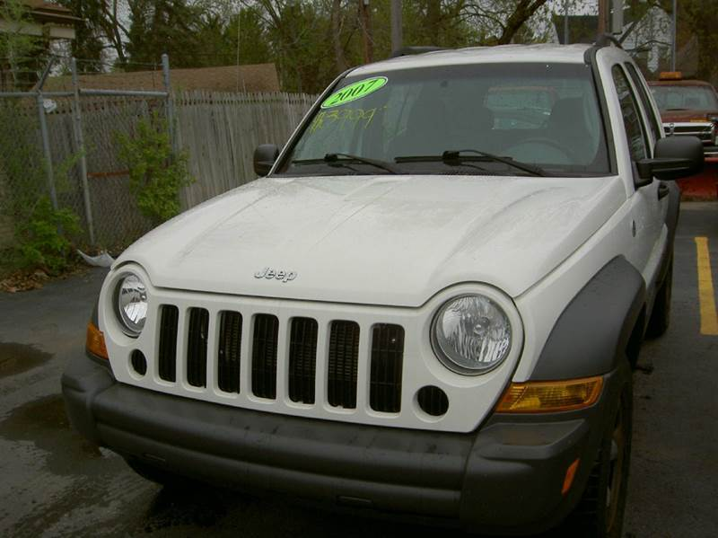 2007 JEEP LIBERTY SPORT 4DR SUV 4WD white runs and drives perfect clean inside out 4x4 works g
