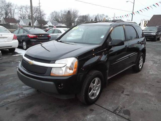 2005 CHEVROLET EQUINOX LS 4DR SUV black runs drives and looks great  v6  spacious aftermarke