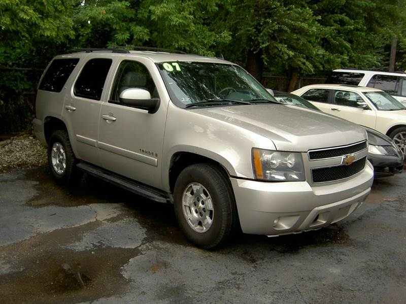 2007 CHEVROLET TAHOE LT 4DR SUV 4WD silver runs and drives great plenty of room leather seats 2-