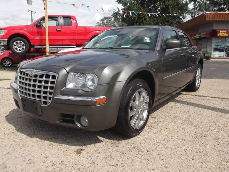 2008 CHRYSLER 300 LIMITED AWD 4DR SEDAN brown runs drives and looks great  clean in and out