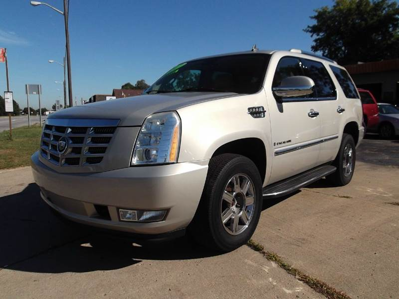 2007 CADILLAC ESCALADE BASE AWD 4DR SUV beige lamarina auto sales in dearborn heights  mi  is pro