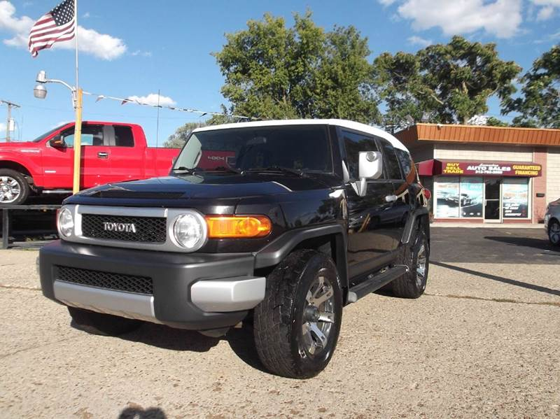 2007 TOYOTA FJ CRUISER BASE 4DR SUV 4WD 4L V6 5A black runs drives and looks great rugged