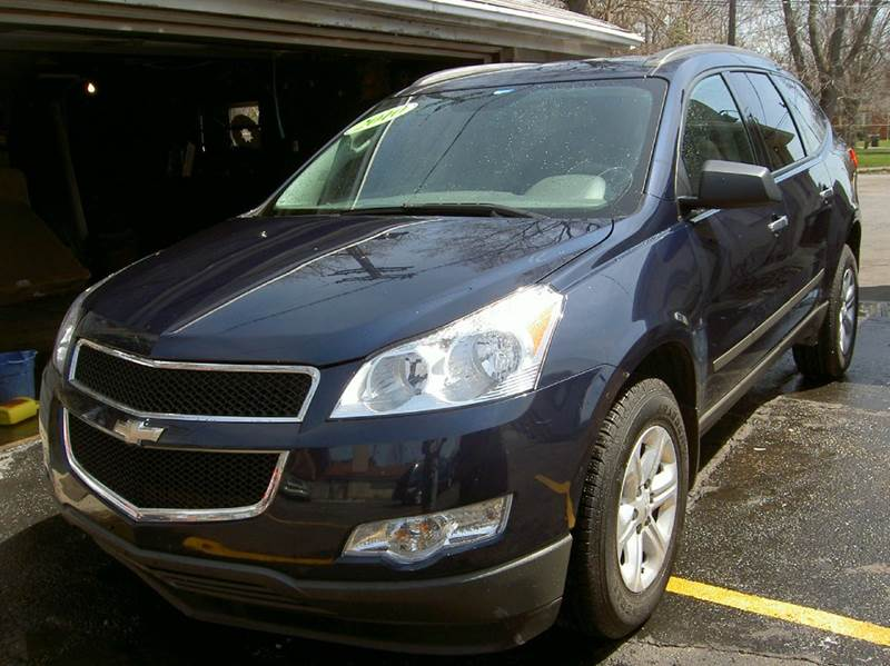 2010 CHEVROLET TRAVERSE LS 4DR SUV blue runs drives and looks very good very clean  3rd row se