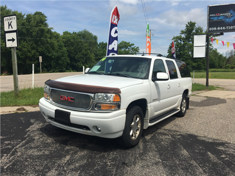 2004 GMC Yukon XL for sale in Wisconsin Dells, WI