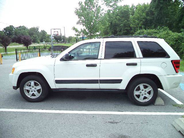 2006 Jeep Grand Cherokee SRT8 4dr SUV 4WD w/ Front Side Airbags - Hyattsville MD