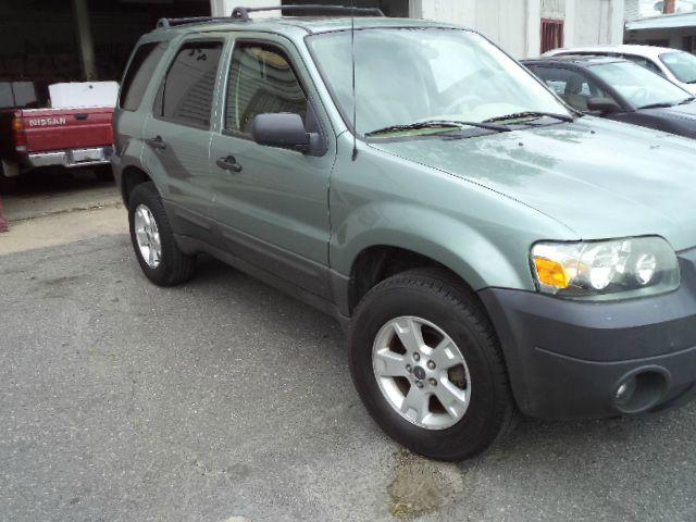 2005 Ford Escape XLT 4dr SUV - Hyattsville MD