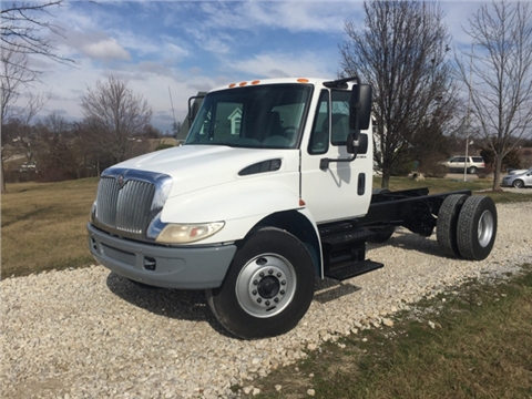 2002 International 4300 for sale in New Bloomfield, MO