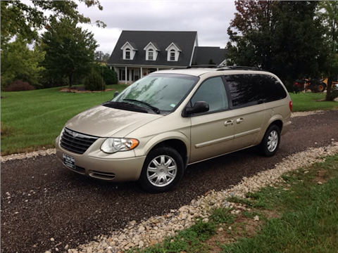 2007 Chrysler Town and Country for sale in New Bloomfield, MO