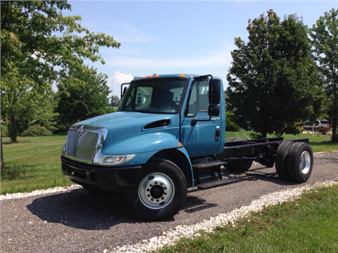 2005 International 4300 for sale in New Bloomfield, MO