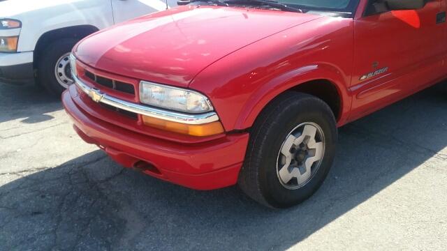 2004 Chevrolet Blazer LS 4WD 4dr SUV - Tecumseh MI