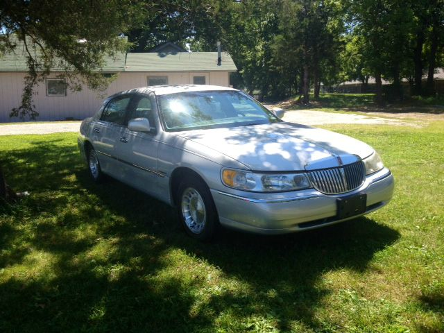 1998 Lincoln Town Car for sale in Raymore MO