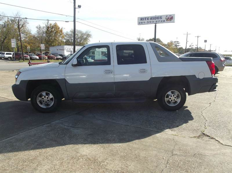 2002 Chevrolet Avalanche 4dr 1500 Crew Cab SB 2WD - Cleveland TX