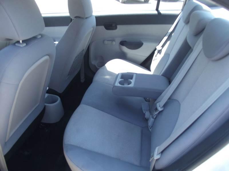 2011 Hyundai Accent GLS 4dr Sedan - Cleveland TX
