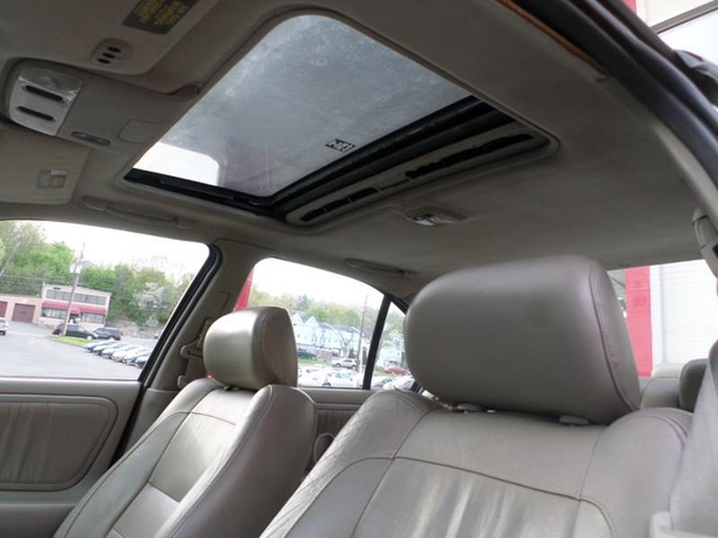2001 Infiniti G20 Luxury - Waterbury CT