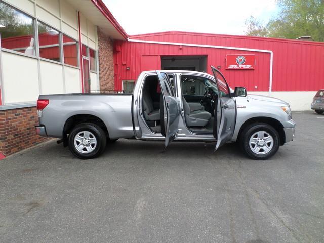 2010 Toyota Tundra 4x4 Grade 4dr Double Cab Pickup SB (5.7L V8) - Waterbury CT