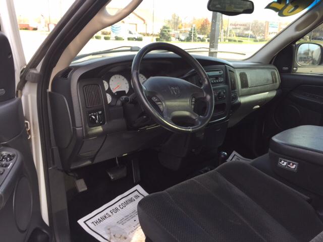 2002 Dodge Ram Pickup 1500 2dr Regular Cab ST 4WD LB - Waukegan IL