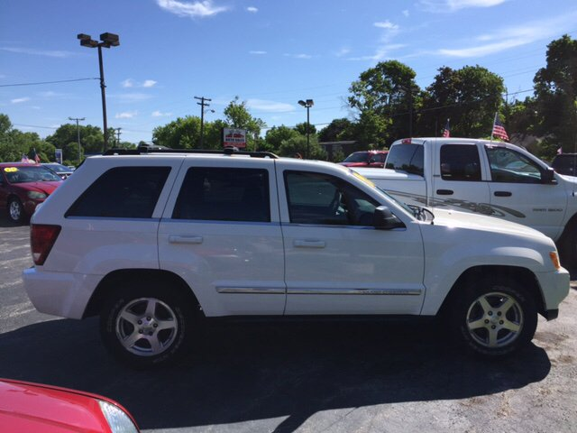 2006 Jeep Grand Cherokee Limited 4dr SUV 4WD w/ Front Side Airbags - Waukegan IL