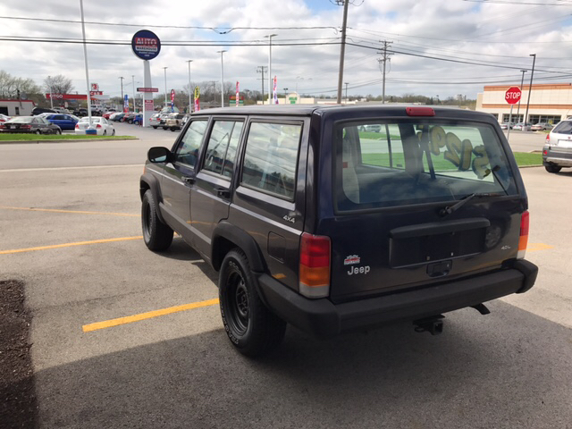 1998 Jeep Cherokee 4dr SE 4WD SUV - Waukegan IL