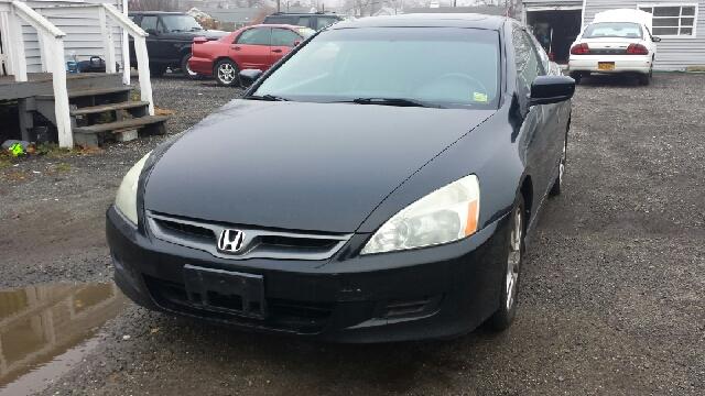 2006 Honda Accord for sale in Lindenhurst NY