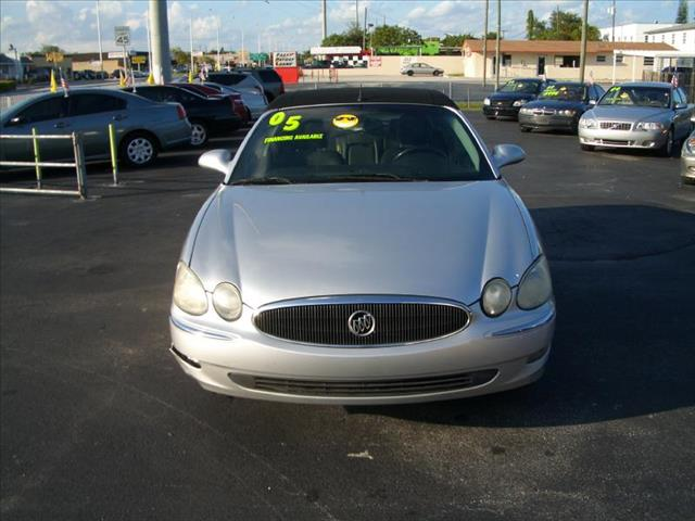2005 BUICK LACROSSE CXL silver extra clean inside and out low miles only no dents no accidents