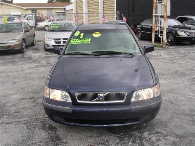 2001 VOLVO S40 19T blue cold air conditioning power windowslockssteering tilt wheel entertai