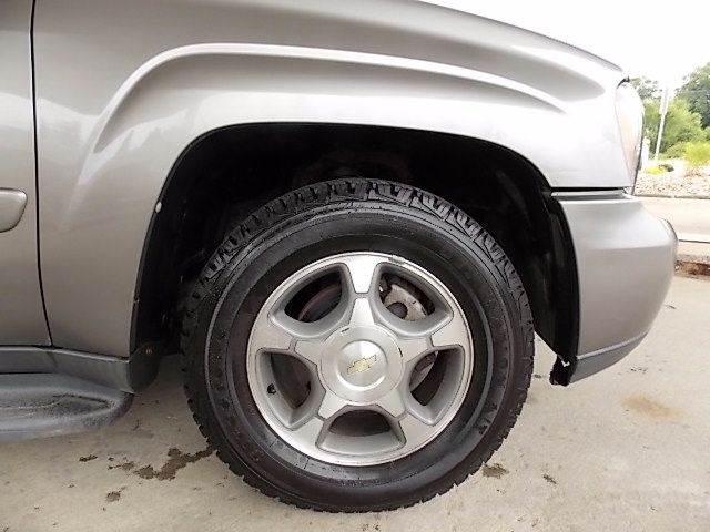2005 Chevrolet TrailBlazer LS 4WD 4dr SUV - New Castle PA